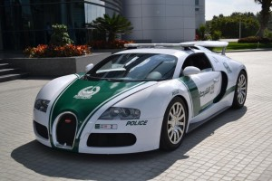 bugatti-veyron-police-dubai-2014-11090581irtaw