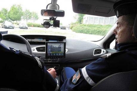 la-police-et-la-gendarmerie-testent-de-nouveux-radars-mobiles-dr-60886-1-v4zoom